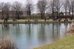 Ancora troppe persone al Parco: più stringenti i controlli di Forze dell'Ordine e Polizie locali